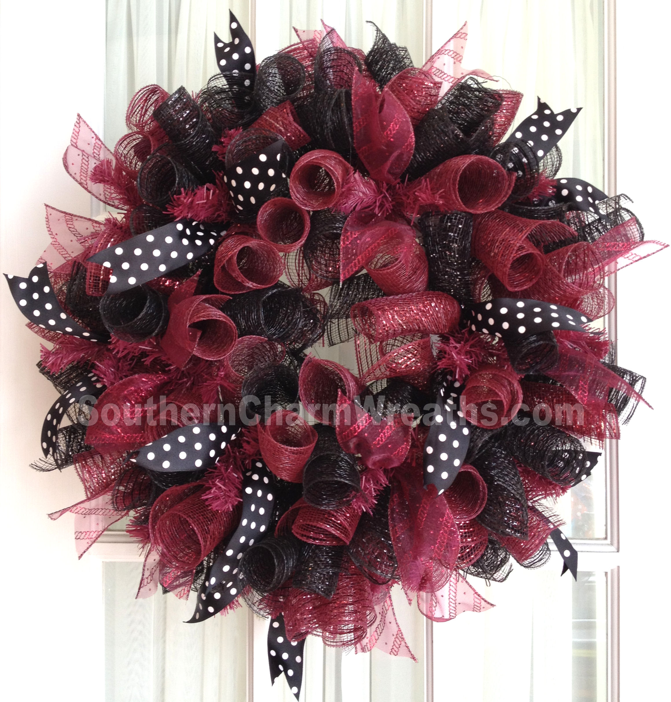 deco-mesh-wreath-gamecocks-collegiate-garnet-balck-1L